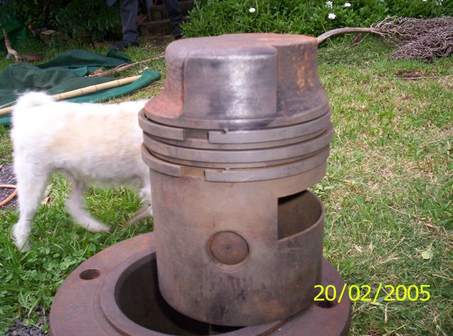 Piston with tall crown