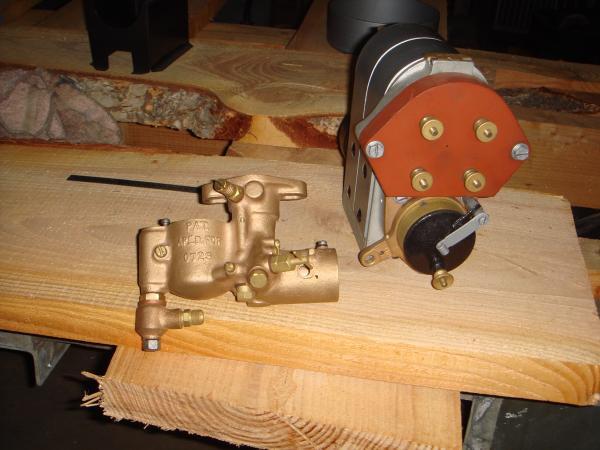 Bosch magneto & brass Tillotson carb.