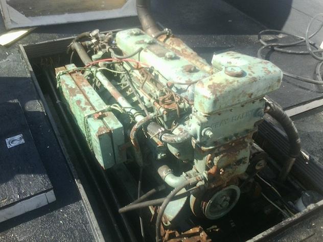Old Marine Engine: DD 671 Grey Marine