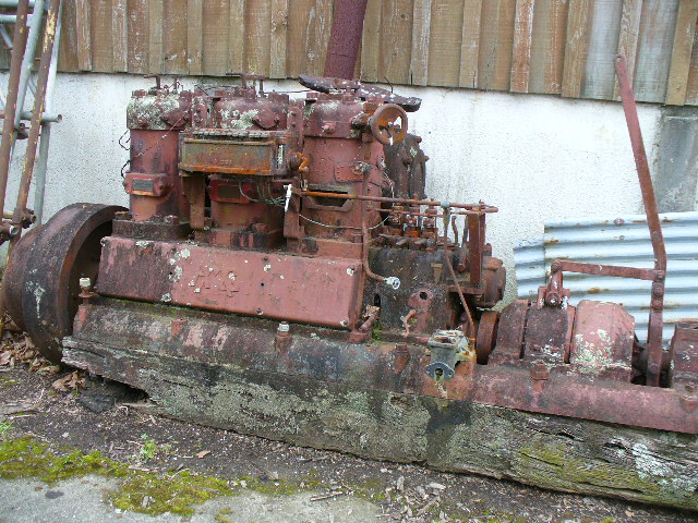Old Marine Engine: German 3 cylinder diesel 2 stroke