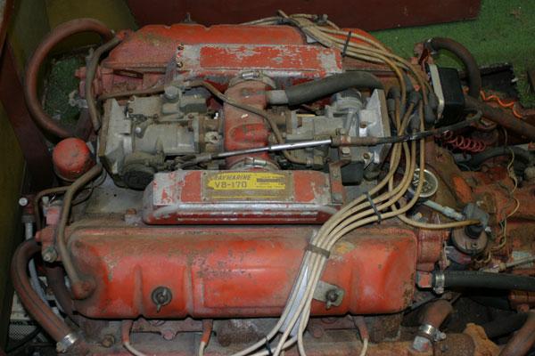GrayMarine Engine in 62 Resorter